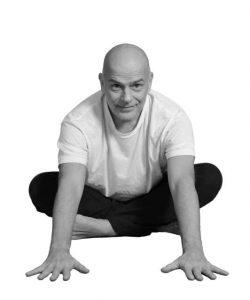 yoga_front_mini